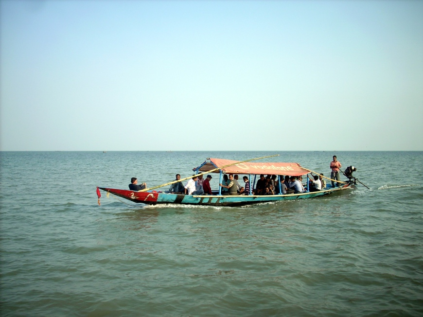 boating in chilka lake orissa